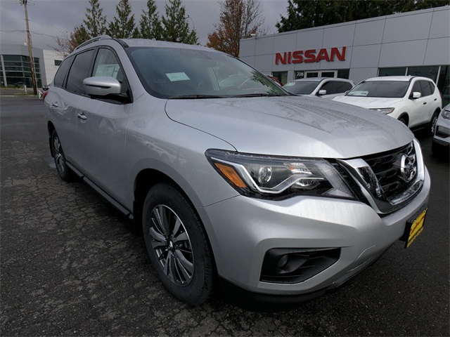 New 2019 Nissan Pathfinder SL With Navigation & 4WD