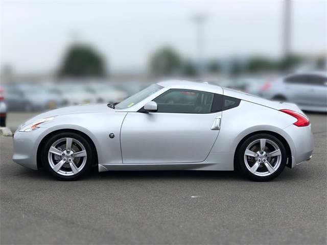 Pre-Owned 2010 Nissan 370Z Touring